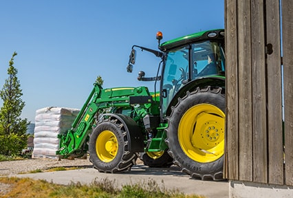 http://www.deere.fr/common/media/r2/images/products/equipment/tractors/5r_series/overview/r2g001831_426x288.jpg