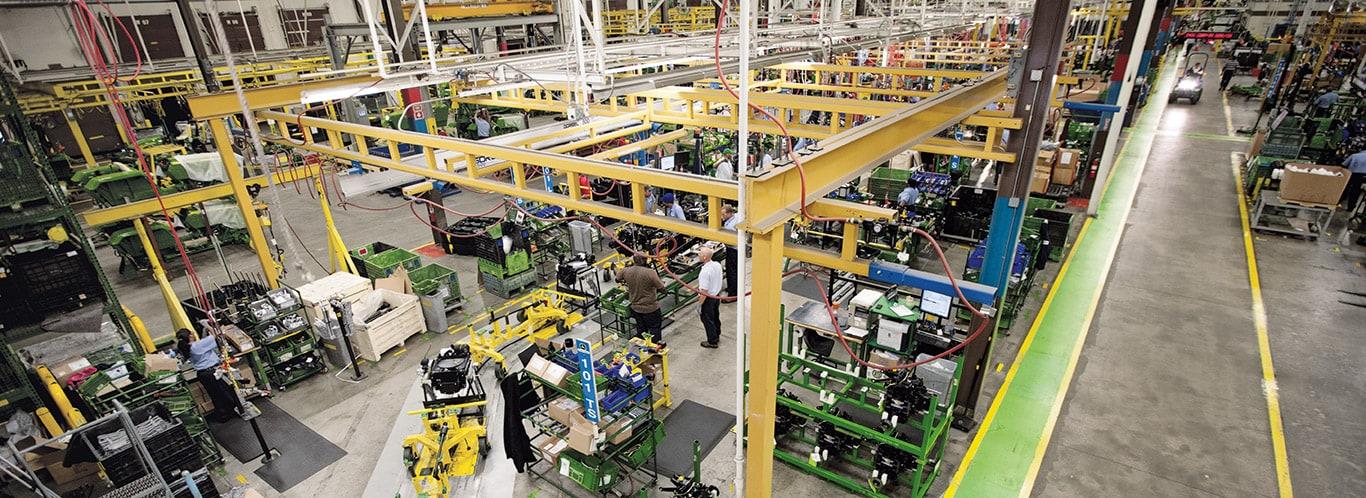 Usines d'Augusta, tracteurs utilitaires compacts, intérieurs