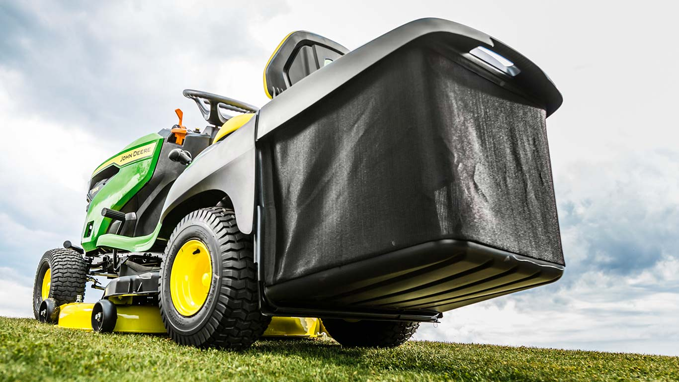 Lawn Tractors X146R with High Capacity Collector